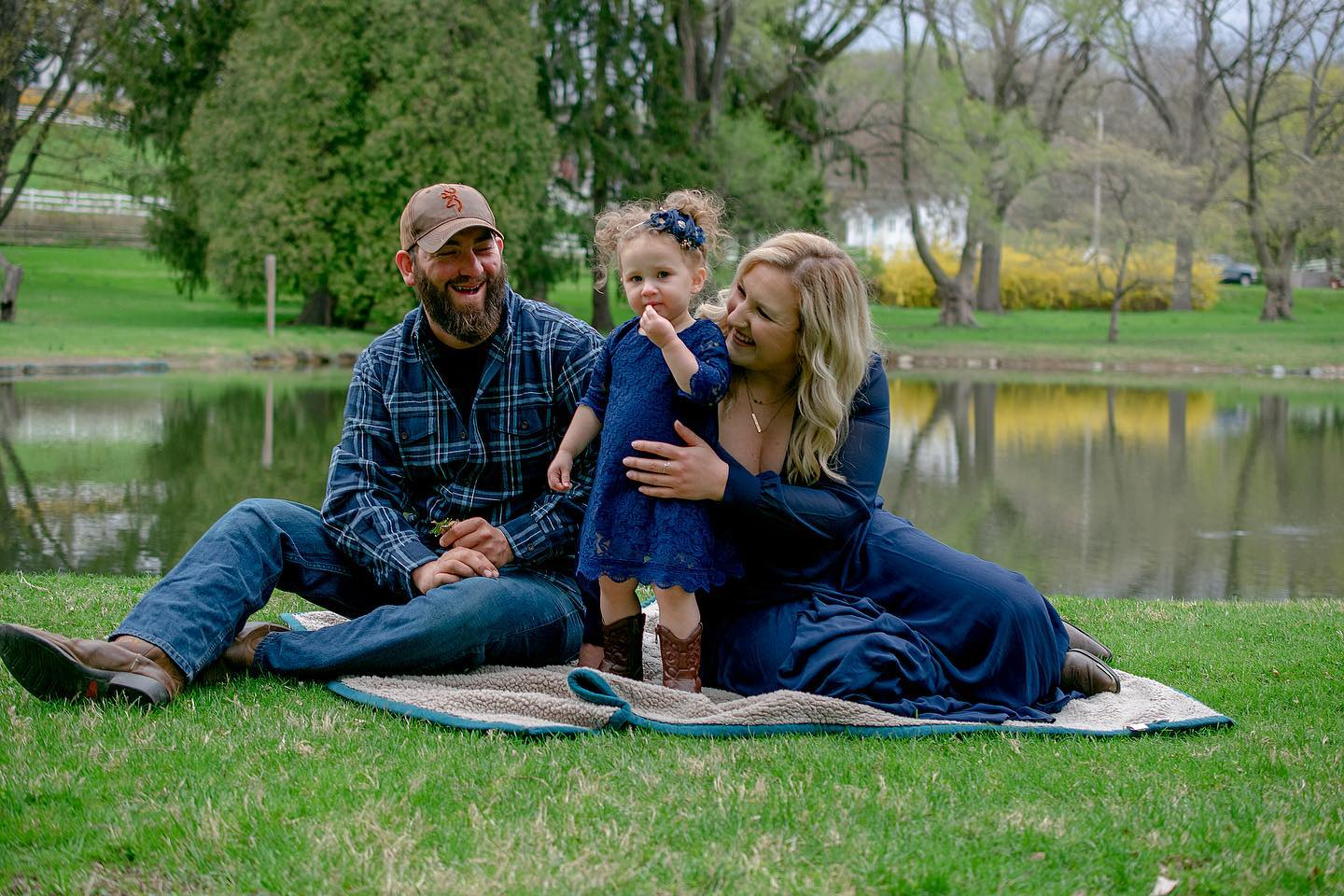 How to dress for a portrait session – family